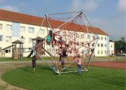 Greifswald-Seilspiel-mit-Kunstrasen